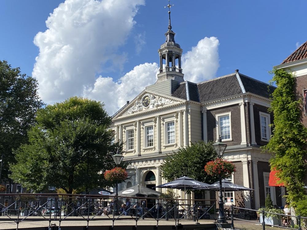 Bibliotheek Schiedam Blijft Open